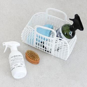 お買い物バッグとしてはもちろんのこと、野菜入れやお掃除用品入れなど、アイデア次第で様々な用途に使えます。ランドリーバッグとして、プール遊びの濡れた水着入れとして使ってもいいですね。