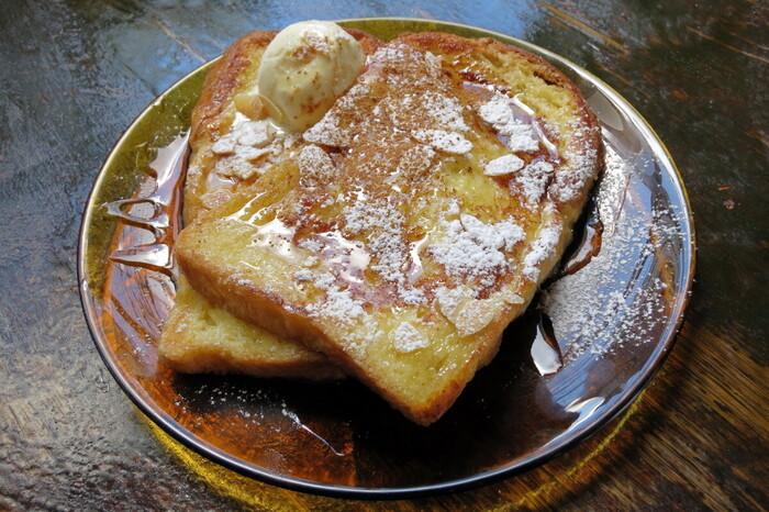 カフェメニューは、洋食中心で特にパンが豊富。京都旅行で和食に飽きてしまったときにもおすすめです。