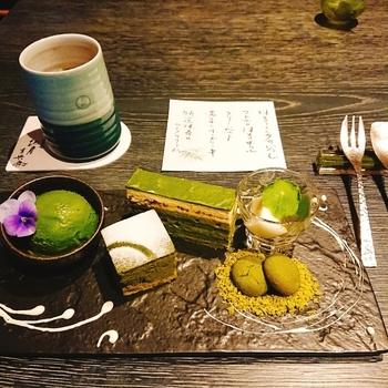 町屋風のおしゃれな店内で絶品の抹茶や抹茶スイーツを楽しめる「祇園 北川半兵衞」。抹茶スイーツのプレートもあり、少しずつ色々なものを楽しみたい!という欲張りさんにもおすすめです。