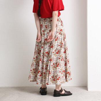 【カラー別】涼しげな夏の「ロングスカートコーデ」をご紹介♪