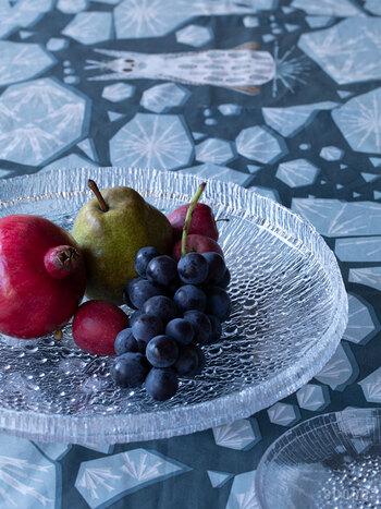 こちらは直径370mmのボウル「サービングプラター」。何気なくフルーツを盛るだけで、華やかでおしゃれな印象に。