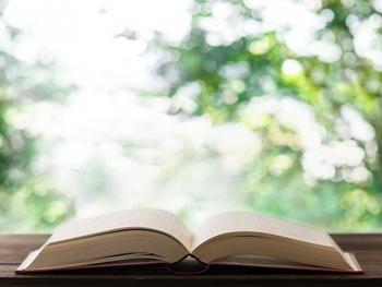 """とにかく面白い本が読みたい!名ストーリーテラーが描く""""読ませる""""物語16選"""