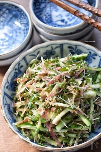 切って混ぜてたったの3分でできるお手軽レシピ。あと一品足りないときに作りたい副菜です。