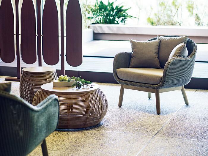 アジアンテイストとは、バリやタイ、インドなどを原産とした、素朴で温かみのある家具やファブリックを多く取り入れたインテリアスタイルです。