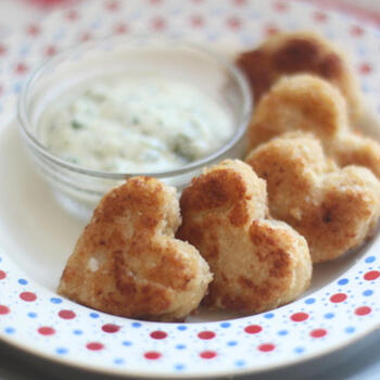 穀類の胚芽に多く含まれるビタミンB1。オートミールを使うので、普通のナゲットより体に優しく、油で揚げずに作るレシピです。小さなお子さんもパクパク食べてくれそう。