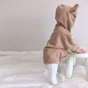 思わず抱きしめたくなるほど可愛らしい「くまさんロンパース」もおすすめしたいアイテムの一つです。パーカーではなく、ロンパースタイプお洋服なので、1着で着ることが可能です!男の子、女の子問わず着られるおすすめのロンパースです♡