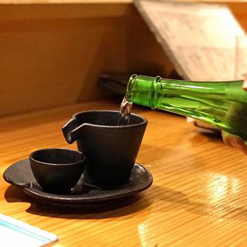 お店の利き酒師がセレクトした日本酒もおすすめ。辛口から甘口まで、全国各地の名酒がいただけるので、ぜひいろいろな銘柄を味わってみましょう。