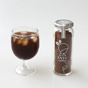 可愛いパッケージで人気のイニックコーヒー。瓶に入ったドリップパウダータイプがあるのはご存知でしたか?アラビカ種のコーヒー豆100%で、香り豊か。アイス専用のドリップパウダーなので溶けやすく、冷たいミルクと割っても相性抜群です。