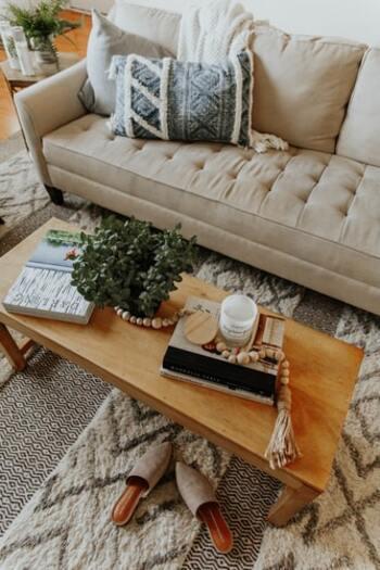 暮らしをもっと快適に。目的に合った「ソファテーブル」の選び方とおすすめアイテム
