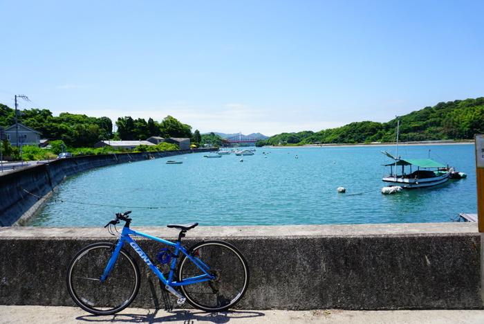 見どころがたくさんあって、迷ってしまうという方はモデルコースを参考にしてみませんか?こちらのHPでは徒歩でお寺巡りをしたり、自転車でしまなみ海道をまわったりといろいろなコースをご紹介していますよ。  レンタサイクルはJR尾道駅のすぐそばで申し込むことができるので、立ち寄ってみてくださいね。