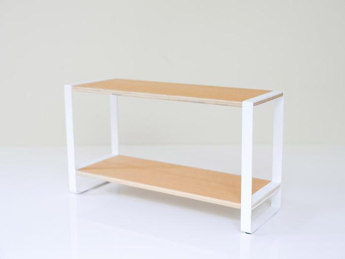 ホワイトのスチールと木の棚板のコンビネーションがナチュラルで素敵なキッチンラック。白いスチ一ルの表面には、錆びにくい粉体塗装が施されているから、水回りでも安心して使用することが出来ます。