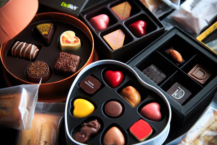 ひと口サイズのリッチな甘さ「ボンボンショコラ」の作り方&おすすめ道具