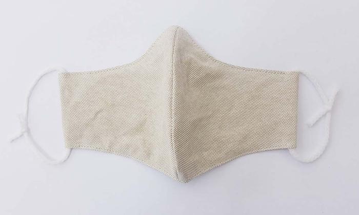 和紙とクマザサを組み合わせたささ和紙でできたマスクです。抗菌、防臭、吸湿性など嬉しい効果がいっぱい♪