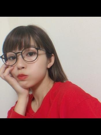 低価格なメガネだけではなく、職人によって1つ1つ丁寧に作られているラインもあるため、こだわり派の方にも人気の高いブランドです。