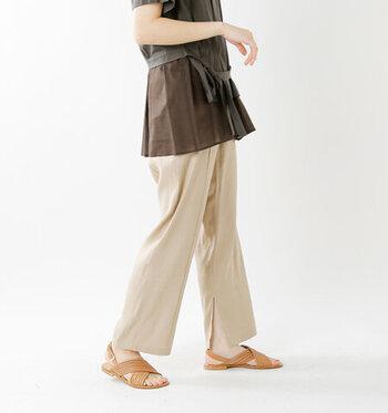 素足×サンダルで着こなしたい。おしゃれな「スリット入りワンピ&ボトムス」