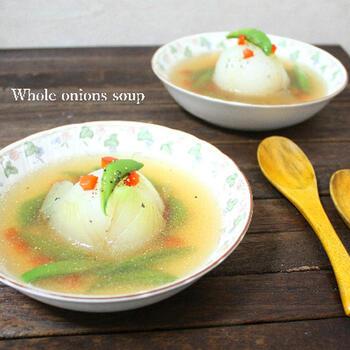 満足感のある中華スープ♪スナップエンドウと赤パプリカを使ってカラフルに。味付けは中華スープの素を使うのでとっても簡単です。