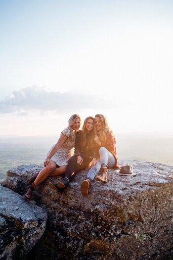 自分が人生において大切にしたい部分の感覚が同じ人と一緒に過ごすと、自分らしくいられますし楽ですよね。価値観が合う人は、感覚自体が似ているので何かと分かり合える部分が多いです。
