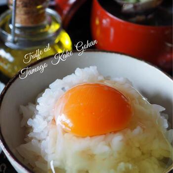 トリュフがあれば最高ですが、そこまでしなくてもトリュフ塩やトリュフオイルがあれば、贅沢な味わいがプラスできます。ひとつ持っていると、なにかと重宝します。