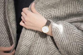 """ミニマムデザインが印象的な「CHPO(シーエイチピーオー)」の""""Khorshid Mini(ホルシード・ミニ)""""は、北欧スウェーデンからやってきた愛くるしい腕時計。"""