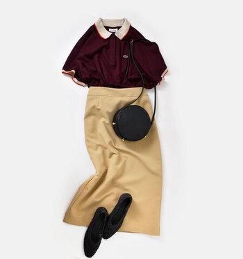 今夏人気のポロシャツを、秋モードへ。深みのあるボルドーがクラシカルで素敵です。パンツに合わせるのもいいけれど、タイトスカートに合わせたレディな着こなし方もおすすめです。