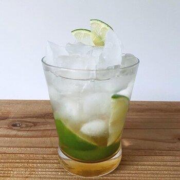 夏はたっぷりの氷で割ってアイスで、冬はお湯で割ってホットで。1年中味わえる自然のフルーティーな甘さを堪能してみてください。