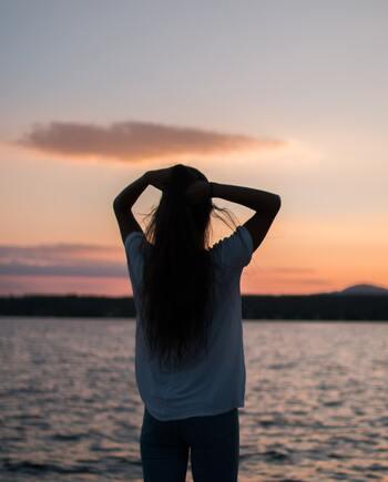 不安や緊張を手放すために。心と体を緩ませる『9つのリラックス方法』