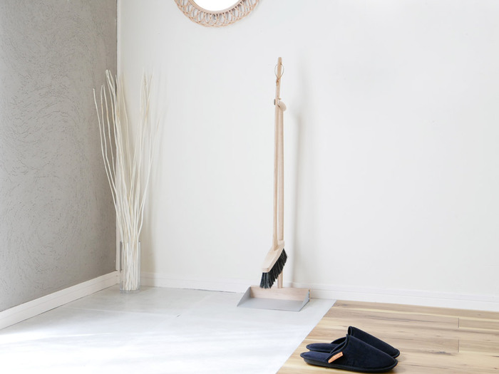 フラワーベースにぽんと入れるだけでも、存在感のあるインテリアに。玄関やリビングなどに花を飾る感覚で使えます。