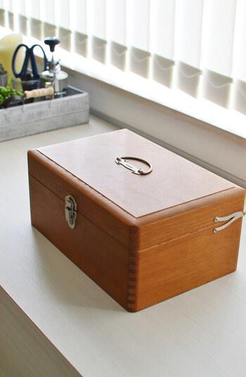 こちらは、冒頭でご紹介した倉敷意匠の薬箱。リビングにそのまま置いてあっても、ナチュラルなインテリアに馴染みます。