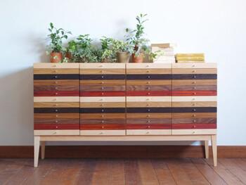 1950年創業の家具メーカー「広松木工」が展開するブランド。家具や生活雑貨など、幅広く手掛けています。木の美しさを活かしたシンプルで飽きの来ないデザイン、機能性の優れた数多くのアイテムにより、今もなおファンが増え続けている人気ブランドです。