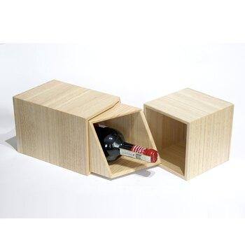 ワインを美しく収納できるアイテムです。二重構造になっており、長時間冷たさをキープできます。防水加工がされているので、フタに氷を入れてワインを冷やしても◎