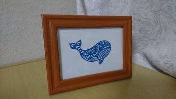 色画用紙を使って、かわいいクジラのデザインはいかが?それほど線が入り組んでいないので、ビギナーの方にもトライしやすそうですね。