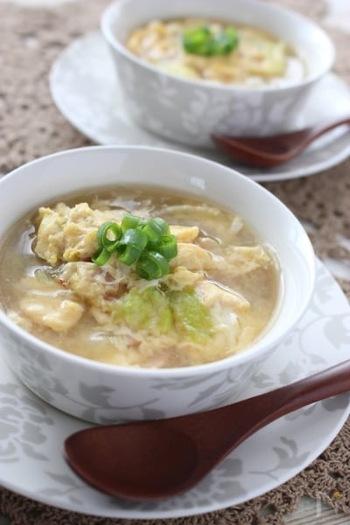 ポタージュ系はカロリーが高いので、コンソメスープや春雨を使ったスープがオススメ。卵でタンパク質もプラス。寝る前のスープは、からだも温まっておすすめです。ベーコンやハムは消化が悪いので、寝る前のスープでは避けるようにしましょう。