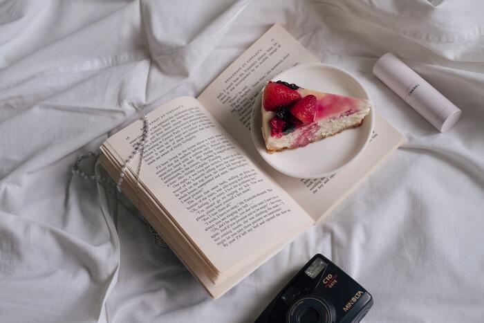本に出てくるお菓子を添えて♪「本×お菓子」で美味しく楽しむ読書時間