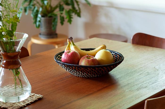 部屋と食卓を彩る「バスケット」のある暮らし