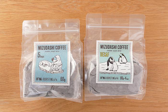 シリーズでカフェインレスのコーヒーもあります。カフェインが気になる妊婦さんや、寝る前の一杯ならカフェインレスもいいですね。