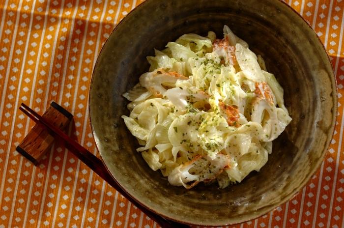 茹でたキャベツとちくわをワサビとマヨネーズで和えた副菜。ちくわが入ることでボリュームもアップします。朝食ならこれだけでおかずとして使えて便利です。