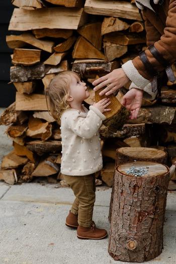 静かにしてほしい場所が自宅ではなく図書館の場合、母の思いよりも「図書館では静かにする」というマナーを教えなくてはいけませんよね。子供に対してはユー・メッセージとその根拠を伝えるべき場面も多いと言えるでしょう。特に危険を伴う場面ではユー・メッセージが適していますよ。