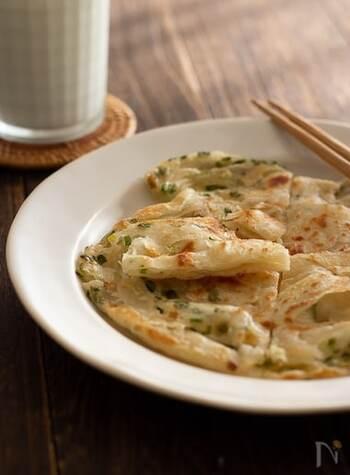 おうちで現地の味を再現!台湾屋台の定番「葱油餅」とタレのレシピ