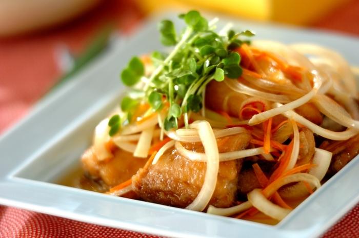 油を使った料理ですが、酸味のある南蛮だれに漬け込むのでとてもさっぱり。どんどん食べられます。アジや野菜の栄養がふんだんに摂れる、とても優秀な料理です。