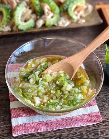 ネギ塩ダレで、ネギづくしの葱油餅もおすすめです。葱油餅のシンプルな味を邪魔せず、素材のおいしさを引き立たせてくれますよ。