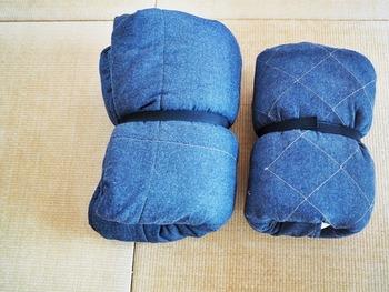 100円ショップなどでも売っているマジックテープ式のベルトを使って、丸めた布団を固定するという方法も。SKUBBのようなケースにまとめて入れたい時にも便利です。