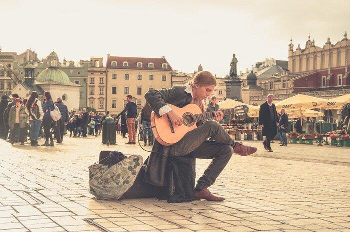 それはまるで世界を放浪するかのよう。旅気分でかけたい「世界の音楽」