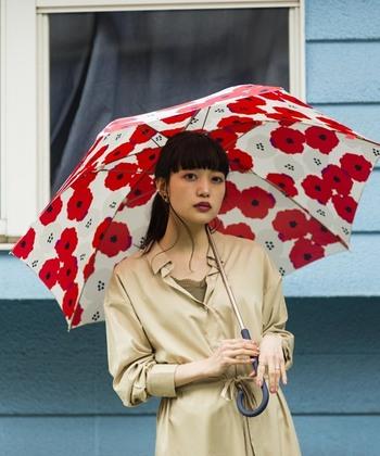 ファッションの一部として選ぼう。佇まいが美しく見える傘・20選