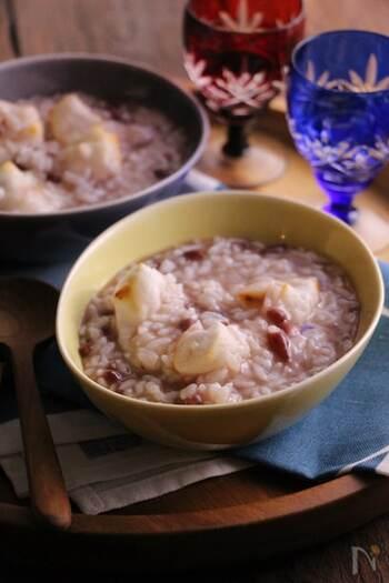 暑さで弱った胃腸に優しいレシピ。小豆の持つ甘さと塩味は食べ飽きないバランスです。以前は健康を願って小正月(1月15日)に食べられることが多かったのですが、普段の日に食べてもホッとする一品。