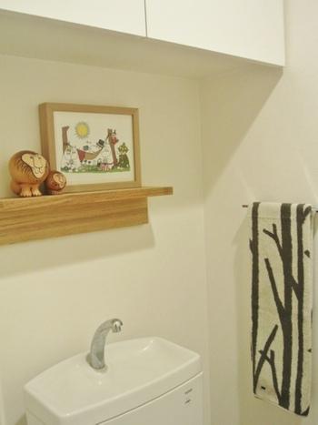 人気の北欧スタイルをトイレに取り入れてみましょう。まずは簡単な小物から。ディスプレイするだけで、あっという間におしゃれな空間が作れます。