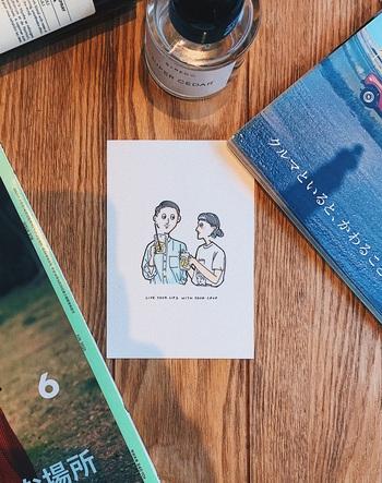 独特な世界感のある【kenta × mayuko】カップル。ちょっぴりレトロな雰囲気のお二人は、いつも息がぴったり。その日その日でスタイルも七変化します。色に合わせたコーディネートをご紹介!