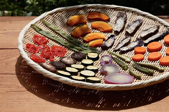 YouTubeやレシピ動画アプリなどでも、精進料理の作り方が紹介されていますよ。朝日新聞社のYouTubeチャンネルで公開されている「西川和尚のらくらく精進料理」は必見!たくさんの精進料理の作り方とポイントを短く分かりやすく解説してくださいます。