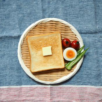 トーストとの相性も抜群◎簡単に写真映えする朝食が完成します。忙しいときでもワンプレートだと片付けが楽なのが嬉しい。