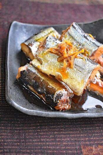 煮込み4分でできるサンマのしぐれ煮。しょうがの爽やかな風味がお口の中に広がります。濃い目の味付けなので、ご飯のお供やお酒のおつまみにももってこいの一品ですよ。山椒や七味唐辛子、梅などを加えて、お好みの味にするのもおすすめです。