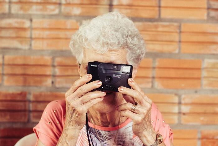 平均年齢83歳の世界最高齢ヒップホップダンサーチームが誕生し、目標はラスベガスで開かれる世界選手権に出場すること。何かを始めることに年齢は関係なく、人生を謳歌する姿は爽やかで憧れます。ドキュメンタリーだからこそ、元気をもらえる作品です。